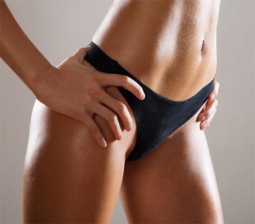 Как правильно делать шугаринг зоны бикини?