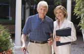 Что представляет собой уход за больными деменцией?