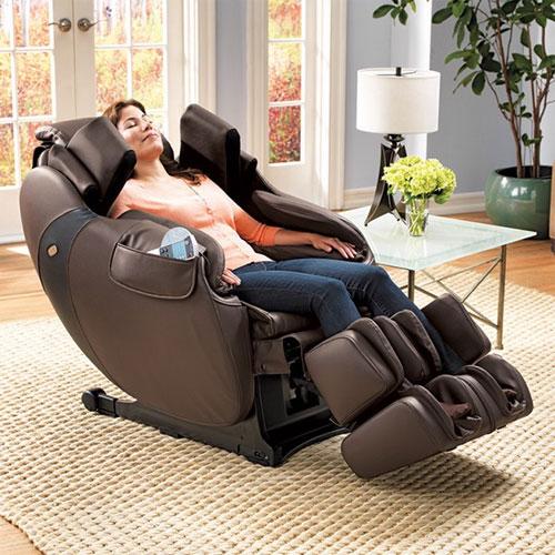 Массажное кресло: польза, функции и показания