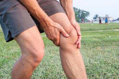 растяжение боковых связок колена