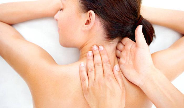 Как делается медицинский массаж спины?