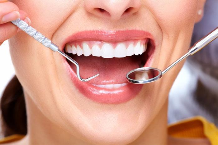 Где вставляют зубы?