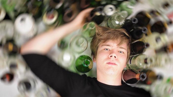 Как начинается алкоголизм