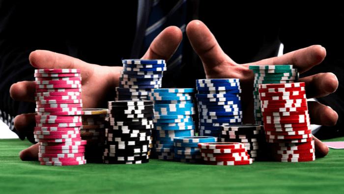 Онлайн казино Вулкан Deluxe: преимущества официального сайта