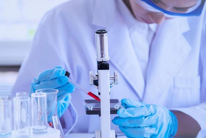 Лекарства, используемые для лечения алкоголизма, потенциально эффективны против SARS-CoV-2