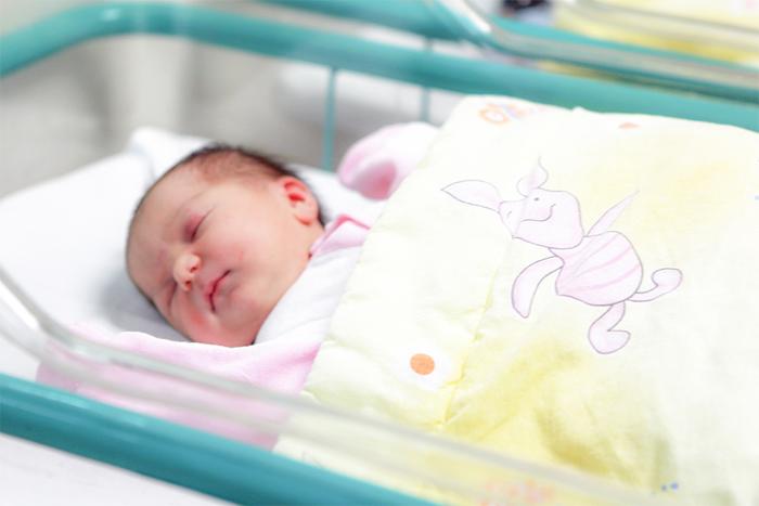 Недоношенный ребенок: особенности развития и воспитания