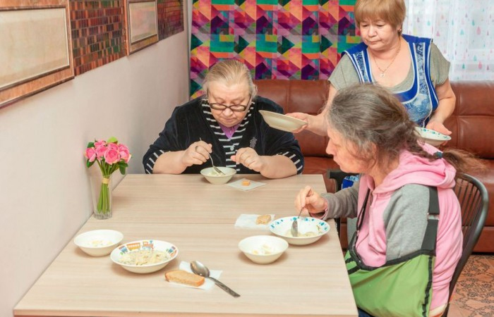 Пансионат для пожилых людей: показания и преимущества