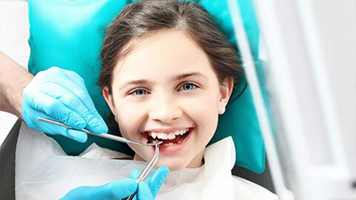Лечение молочных зубов детям во сне: все «за» и «против»