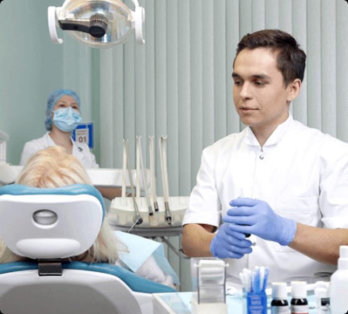 Как предотвратить потерю зубов у пожилых людей