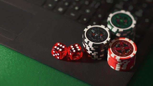 Окунись в приключения в казино «Супер Слотс