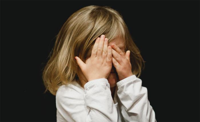 Аутизм у ребенка: причины, симптомы и методики коррекции